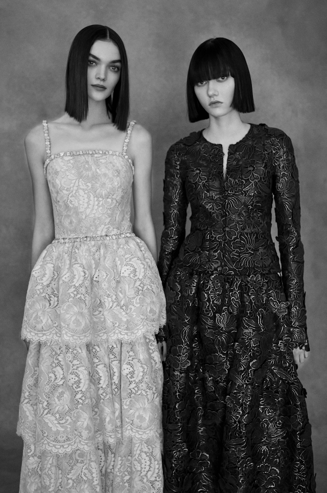 This image has an empty alt attribute; its file name is 12_Chanel_Haute_Couture_Spring-Summer_2021_Family_Portraits_Book_Paris_2021_Copyright_Anton_Corbijn_15.jpg