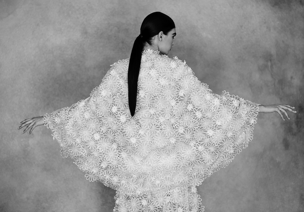 This image has an empty alt attribute; its file name is 17_Chanel_Haute_Couture_Spring-Summer_2021_Family_Portraits_Book_Paris_2021_Copyright_Anton_Corbijn_01.jpg